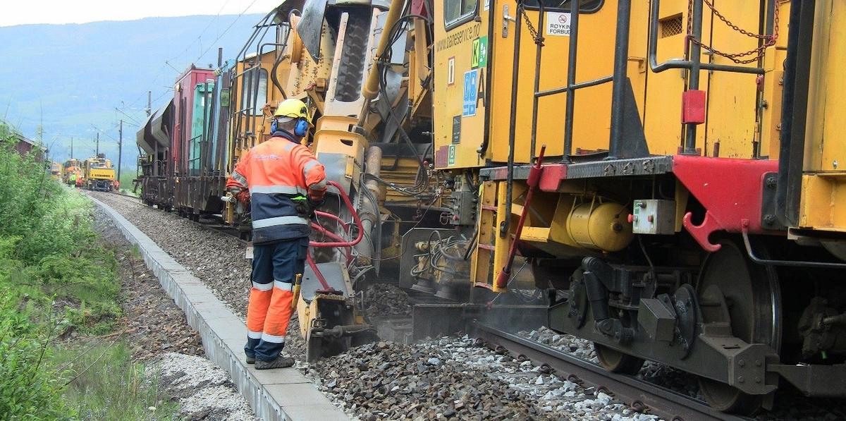 Vedlikeholdsarbeid Foto Jernbaneverket.