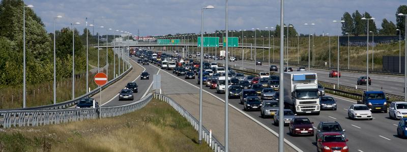 Kurset gir deg kunnskap om begreper, sammenhenger og teoretiske modeller for trafikkavvikling, og forståelse for hvordan veg- og kryssutforming og trafikkreguleringstiltak påvirker risiko og trafikantadferd. Foto Coloutbox/JensF.