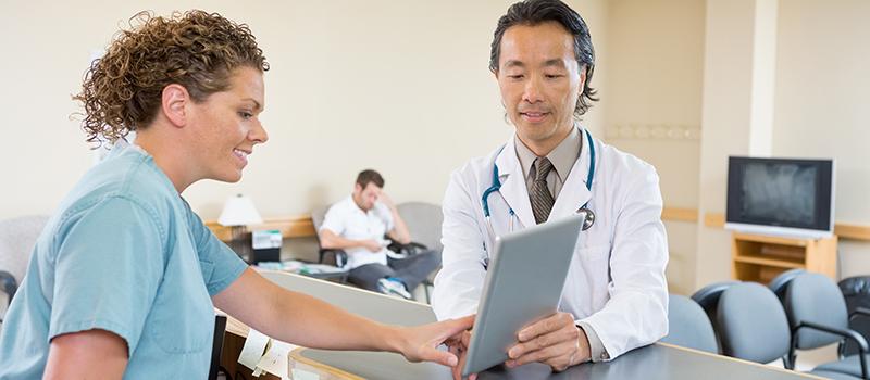 På vaktrommet. IT er bl.a. et samarbeidsverktøy i helsetjenesten.